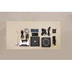 Wersja w pełnym zestawie z kamerądo tesktur, statywem i stolikiem obrotowym